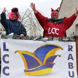 Anwohner feiern mit RCC Rabu