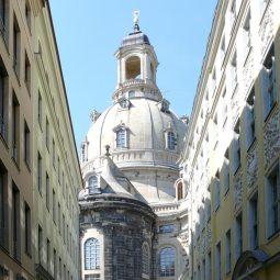 Frauenkirche von der Salzgasse