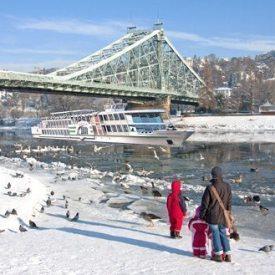 Im Winter auf der Elbe