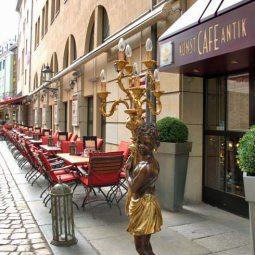 Kunst Café Antik Terrasse
