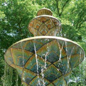 Mosaikbrunnen Großer Garten