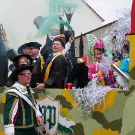 Narrenpolizei zum Radeburger Karnevalsumzug