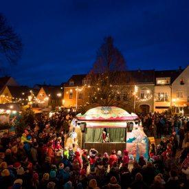 Puppenschaubude Weihnachtsmarkt Radebeul