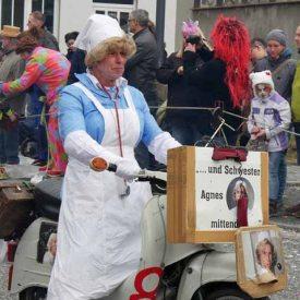 Schwester Agnes zum Radeburger Karnevalsumzug