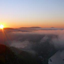 Sonnenaufgang über der Bastei