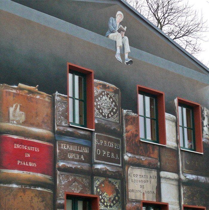 Bücher an der Wand