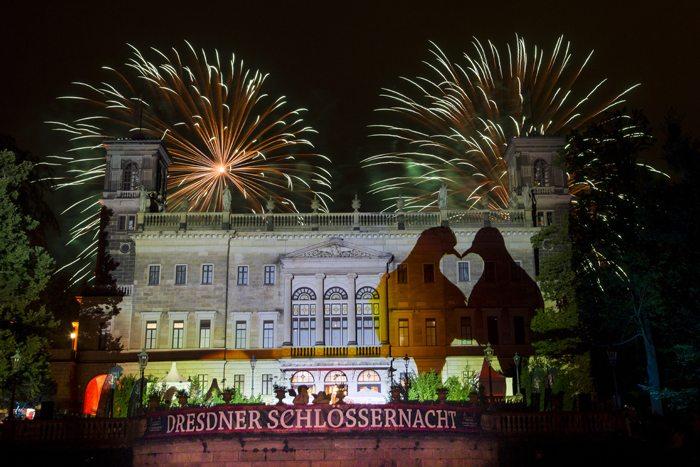 Feuerwerk über Schloss Albrechtsberg