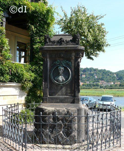 Neuberin-Denkmal in Laubegast