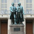 Goethe + Schiller, Theaterplatz Weimar